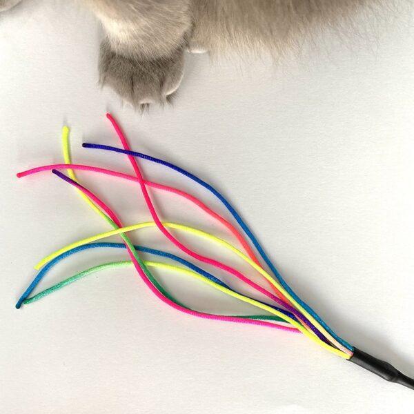 Purrs - Rainbow Chaser speeltje voor kattenhengel met kat