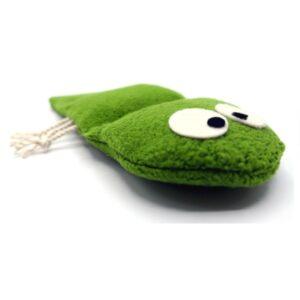 greenPAWS - Green Cotton Fleece Rupsie hervulbaar trappelkussen valeriaan en kattenkruid vooraanzicht