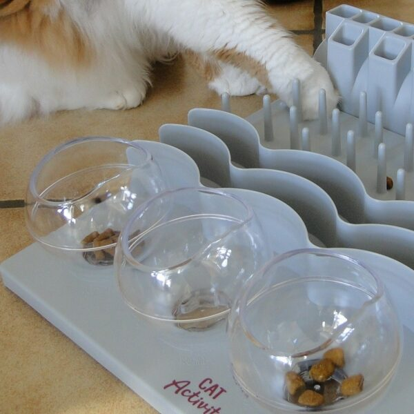 Trixie Cat Activity Fun Board XXL kat puzzelt 6